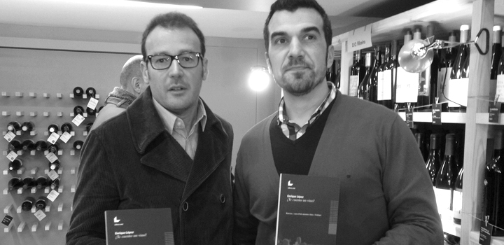 Enrique López con Manyo Moreira, enólogo de la bodega de Rías Baixas Mar de Envero