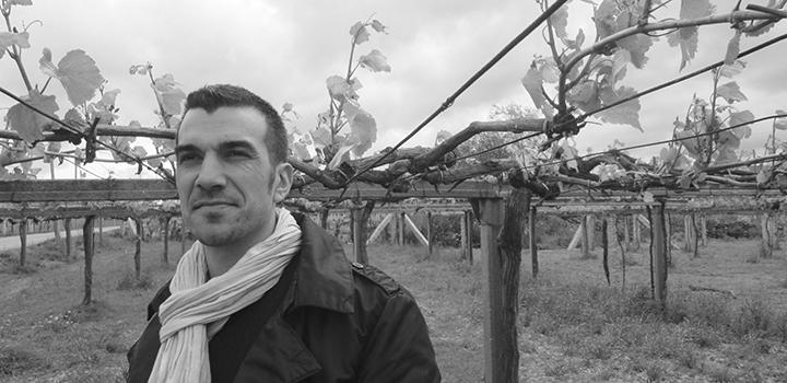 La revista Galicia Informa entrevista a Manyo Moreira, enólogo de la bodega Mar de Envero